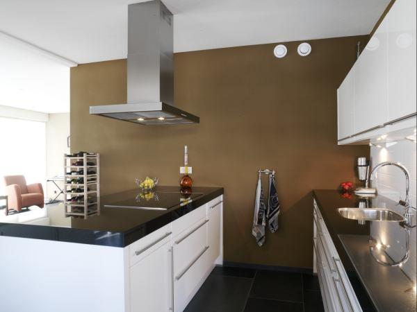 Sposób na wilgotne pomieszczenia. Malowanie kuchni, łazienek i nie tylko…