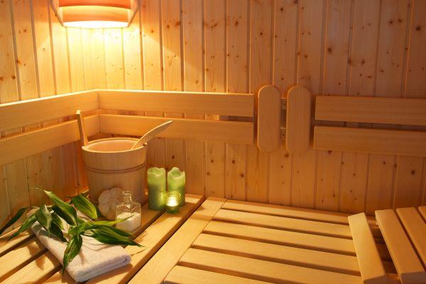 Jak odpowiednio wykończyć wnętrze sauny?