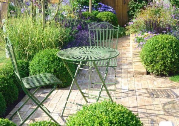 Przygotowujemy meble ogrodowe na jesień